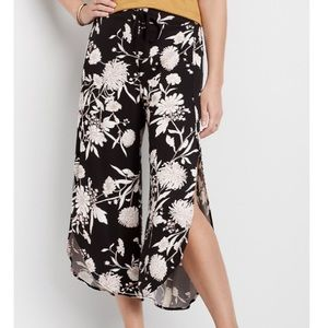 MAURICES FLORAL FLYAWAY PANT MID RISE LARGE